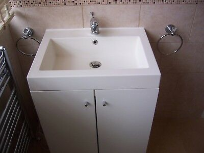 Basin and Gloss White Bathroom Floor Standing Cabinet