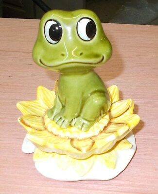 Boxed Neil the Frog salt and pepper shakers Sears Roebuck 1976