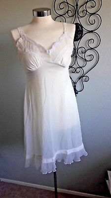 Vintage Creme Lace slip/nightgown