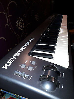 M-Audio Keystation 88 USB MIDI Keyboard Controller (incl. stand and USB cable)