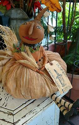 Harvest Queen 1753 Very Primitive Fall October Halloween Thanksgiving