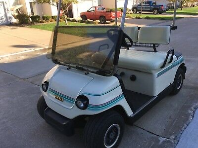 Yamaha GAS Golf Cart With Lights and windshield. 2 Owner Cart, Mint Condition!!