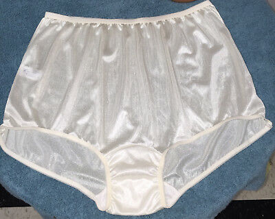NOS VTG Carole Ivory Sheer Shiny Nylon Wide Mushroom Gusset Panties Briefs 13