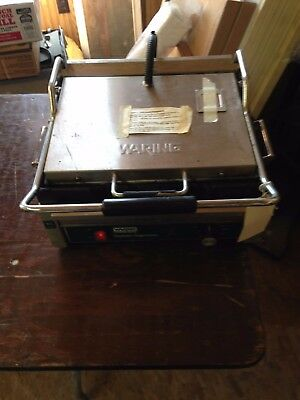 Commercial Table Top Waring Sandwich Panini Grill Model WFG250