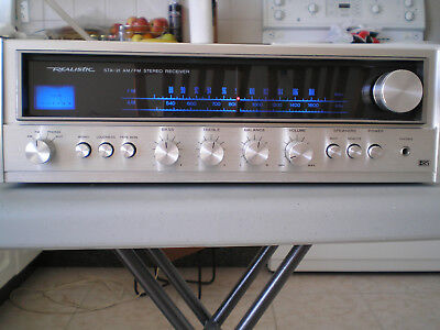 Vintage Realistic STA-21 AM/FM stereo receiver, cool blue dial