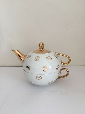 Vintage Teapot With Cup