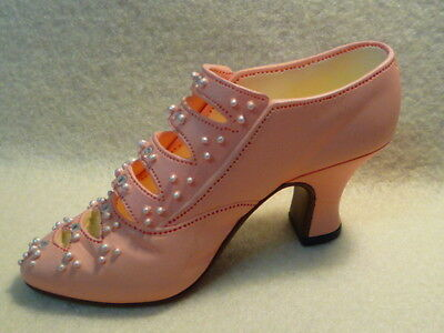 JUST THE RIGHT SHOE - Promenade 25018 Raine Willitts Designs 1998