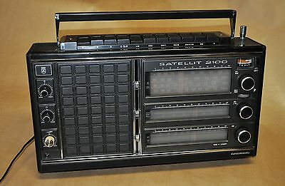 Radio multibanda GRUNDIG Satellit 2100