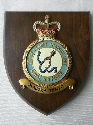 ROYAL AIR FORCE Officer Cadet Training Unit Plaque Shield - Used - RAF - Henlow