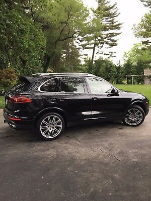 2017 Porsche Cayenne S 2017 Porsche Cayenne S LOADED with options and low mileage