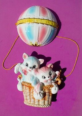 LEFTON / Two Kittens in a hot air balloon / Wall plaque