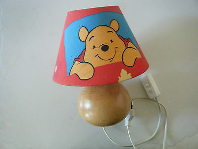 Lampe de chevet Winnie l ourson Disney socle bois