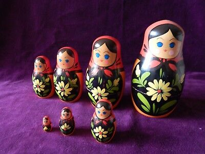 Old Wood Russian Doll Figure Set Matryoshka Babushka Ladies 7X Dolls