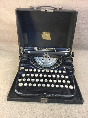 Vintage UNDERWOOD Standard Portable FOUR BANK KEYBOARD Typewriter & Case Blue