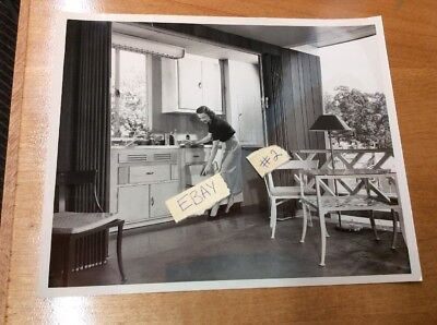 Vtg B&W 50's Photograph Westinghouse Appliance Corp. Housewife 8 X 10 #2