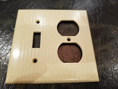 Vtg Leviton Bakelite Ribbed Multi Light Electrical Outlet Plate Wall Cover Ivory