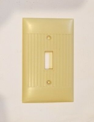 Vtg Single toggle SWITCH Wall Cover Plate IVORY RIBBED Bakelite SIERRA Electric