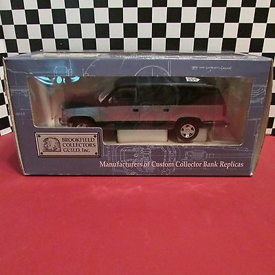 1994 GMC Suburban,Brookfield collector's,1/25 scale diecast bank