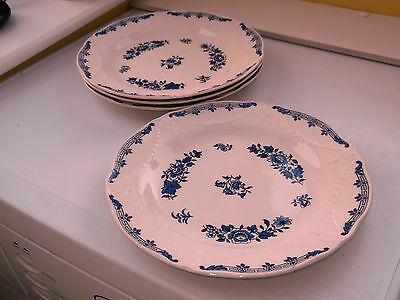 FOUR MINTON DINNER PLATES IN BLUE AND WHITE LINCOLN PATTERN  1930s BACKSTAMP