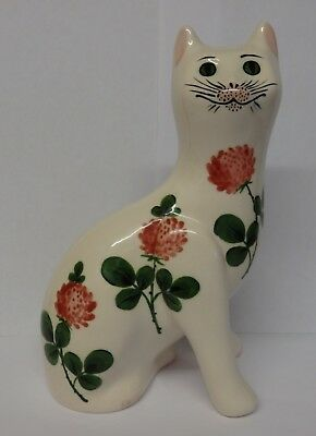 G. Hill Pottery Wemyss cat painted in glover.