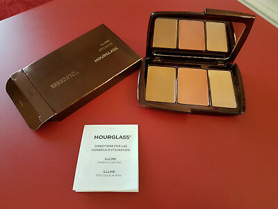 Palette maquillage HOURGLASS Illume Sheer Color Trio / teint sculptant