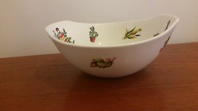 """Beautiful  Vintage Lord Nelson Pottery """"RIO"""" Shaped Salad / Serving Bowl 24 cm"""
