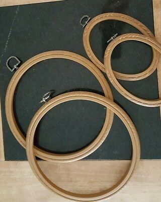 4 Wood effect Flexi Embroidery Hoop Picture Frames Bundle. Pre-Owned vgc