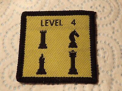 @ Vintage Badge - Scouts / Guides - Level 4 Chess - Games - Brownies (I)