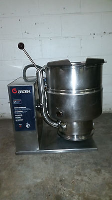 Groen TDB-40 Steam Jacketed Manual Tilt Kettle 10 Gallon 40 Quart 208v