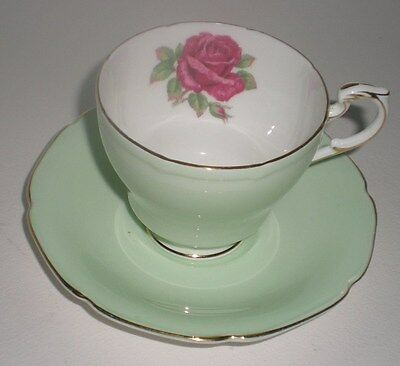 Paragon Fine Bone China Footed Tea Cup & Saucer