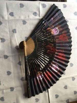 Beautiful vintage hand painted french ladies cooling fan
