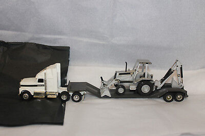 International Carrier W/caterpilla416 Loader/back How 1/50 Scale Nzg