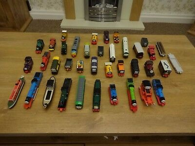 Large bundle / job lot of ERTL Thomas Tank die cast trains and rolling stock.