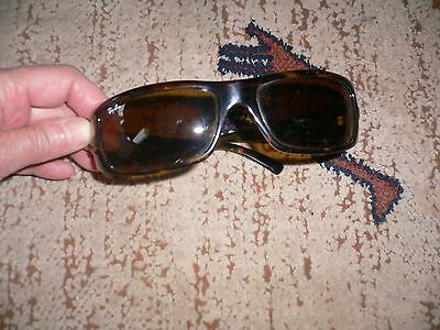 TBE Monture solaire Ray Ban femme