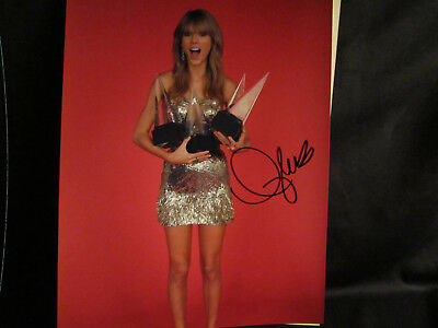 Queen Of Pop Singing Royalty Signed Taylor Swift