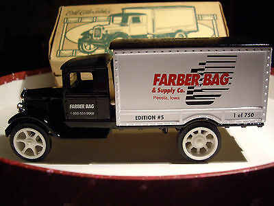 Cast Metal VTG Truck Toy Coin Bank 1931 Hawkeye Farber Bag & Supply Co, Iowa US