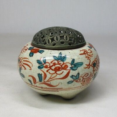 B308: Japanese old pottery incense burner of red painting with good atmosphere