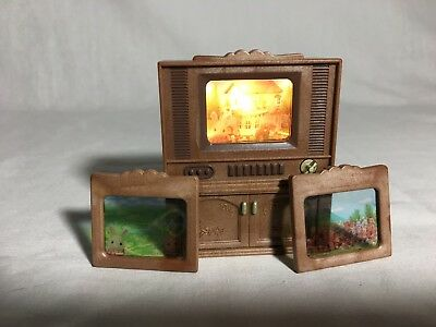 Calico critters/sylvanian families Light Up TV With Extra Screens