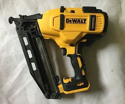 Dewalt Brushless Xr 18V / 20V Max 16G Finishing Fixing Nail Gun  Dcn660