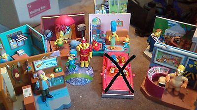 8 Simpsons World of Springfield playsets with 10 action figures - Free postage