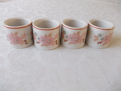 4 Boots hedge rose napkin rings