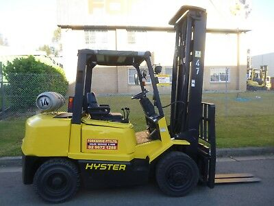 Refurbished Hyster Gas Forklift - 4.0 Tonne, lifts to 4.5 Metres. Just Serviced