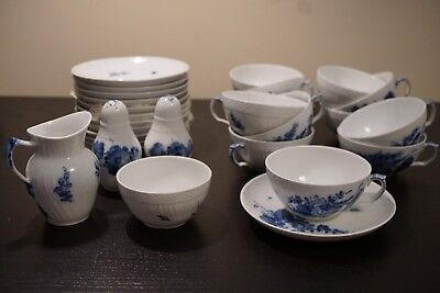 Set Of 12 Blue & White Royal Copenhagen Tea Cup & Saucer With Extras 10/1551