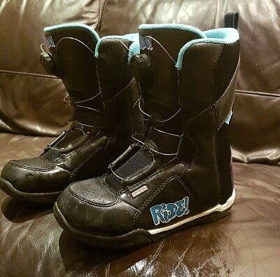 snowboard boots size uk 3