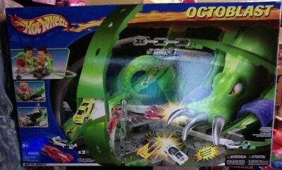 Hot Wheels Octoblast Track Set