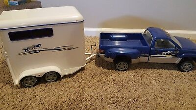 Breyer Horse Dually Blue Pickup Truck and Horse Trailer Collectible~Excellent~