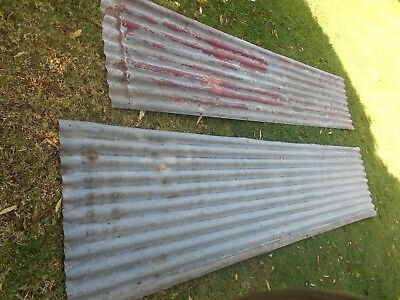 corrugated iron, (11 sheets various lengths}.