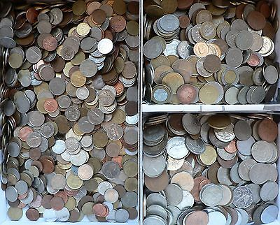 100 x MIXED WORLD COINS - nice selection