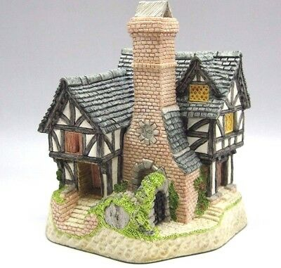 "1991 David Winter Cottages ""Inglenook Cottage"" Authentic Hand Made & painted"