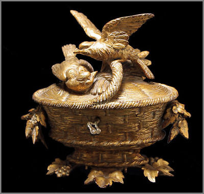 AMAZING  BLACK FOREST WOOD CARVED GOLD PLATED BIRD JEWEL BOX 19th.C